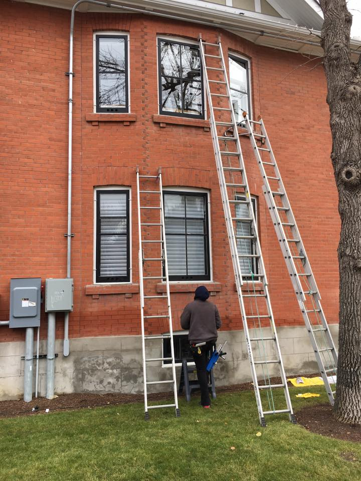 Gutter Cleaning in Olds, Alberta by Wipe Clean